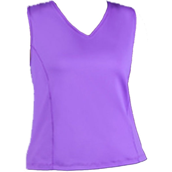 In-Between Basic V-Neck Tank (Plus Sizes) 51W